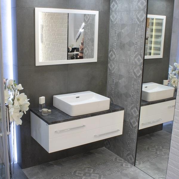 LAVITA ALTAYA - keramické umývadlo na dosku 60 x 42 Slim dizajne s prepadom s otvorom na batériu biele