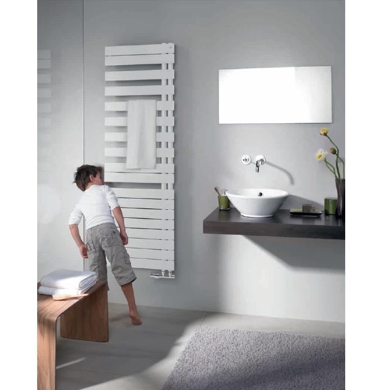 radiátor RODA Spa Asym 1183 x 550 mm ľavé prevedenie biela