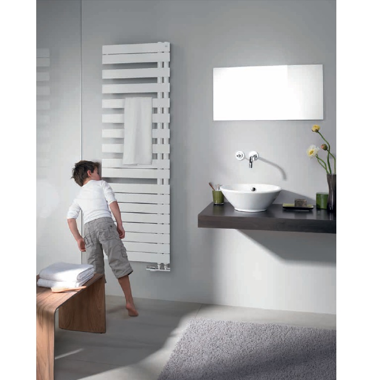 radiátor RODA Spa Asym 1676 x 550 mm ľavé prevedenie biela