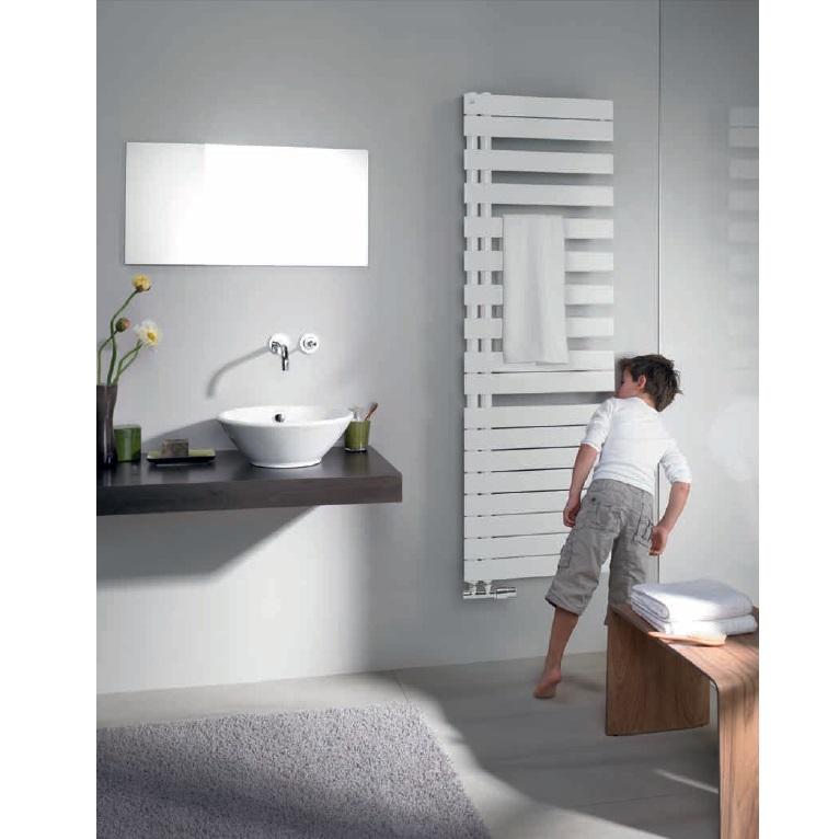 radiátor RODA Spa Asym 805 x 550 mm pravé prevedenie biela